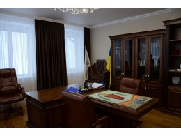 Офіс з масиву дуба